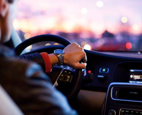 بهترین رانندگان برای اجاره ون در ایران و فرودگاه ها